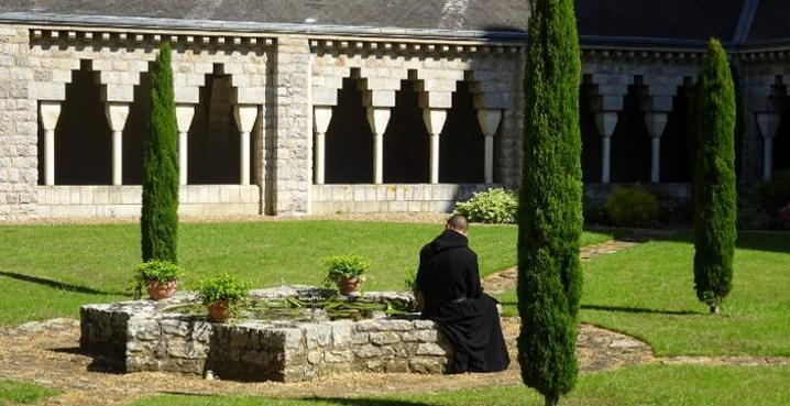 prière dans la nature